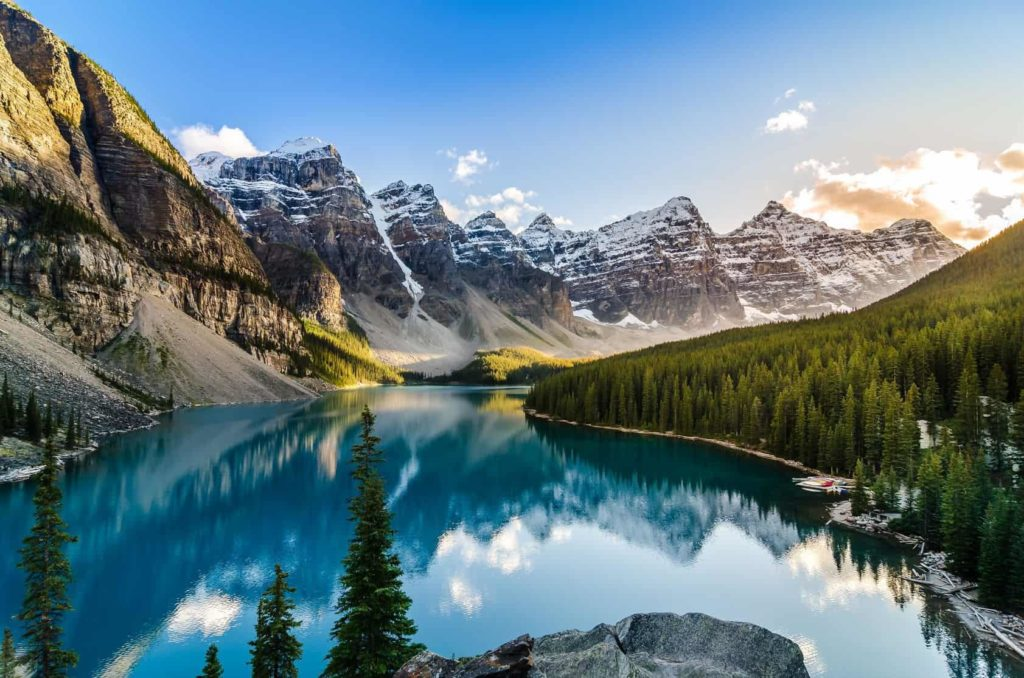 Photo of mountain range for Mindfulness retreat in Banff